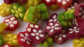 Variedade de doces coloridos da geléia de fruta video estoque