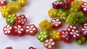 Variedade de doces coloridos da geléia de fruta filme