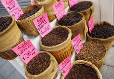 Variedade de feijão de café para o sell fotografia de stock
