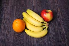Variedade de fruto na tabela Foto de Stock Royalty Free