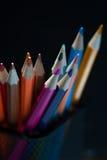 Variedade de lápis brilhantes coloridos Foto de Stock Royalty Free