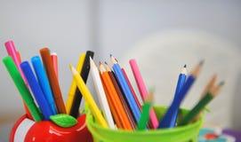 Variedade de lápis coloridos Imagem de Stock