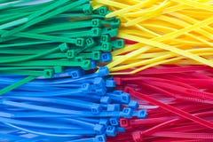 Variedade de laços plásticos coloridos do fecho de correr Fotografia de Stock