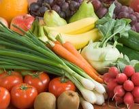 Variedade de legumes frescos e de fruta Fotos de Stock