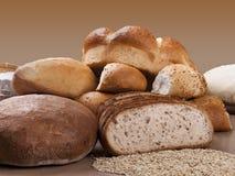 Variedade de pães cozidos Fotografia de Stock