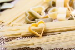 Variedade de tipos e de massa do italiano das formas Foto de Stock