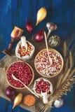 Variedade do feijão-roxo, milho indiano, sementes de abóbora, lentilhas, fotografia de stock