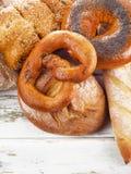 Variedade do pão cozido fresco fotos de stock royalty free