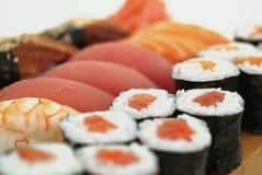 Variedade do sushi japonês fotografia de stock royalty free