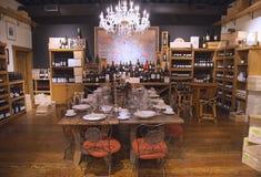 Variedade do vinho no mercado de V em Yountville Imagens de Stock
