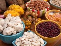 Variedade dos feijões e das leguminosa imagem de stock royalty free