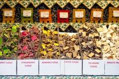 Variedades de dulce de azúcar en la exhibición imagenes de archivo