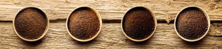 Variedades de polvo del café recientemente molido Fotografía de archivo