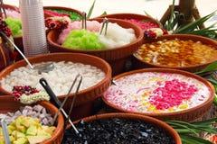 Variedades de sobremesa tailandesa colorida foto de stock royalty free