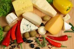 Variedades do queijo fotos de stock royalty free