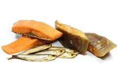 Variedades fumado dos peixes foto de stock