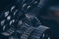 Varietà di ingranaggi blu del metallo immagine stock libera da diritti