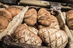 Varietà di pane integrale immagini stock