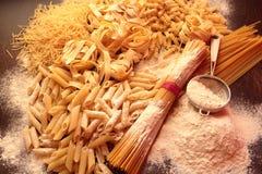 Varietà di pasta italiana Immagini Stock