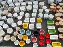 Varietà ricca di vasi da fiori Immagini Stock