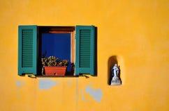 Varigotti fönster, Italien Arkivbild