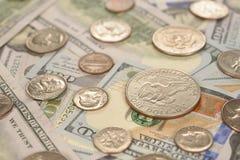 Vario delle monete e delle banconote Fotografie Stock Libere da Diritti