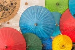 Variopinto dell'ombrello nel mercato di Chiang Mai Fotografie Stock
