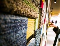 Variopinto di tappeto sulla parete per fondo Immagini Stock Libere da Diritti