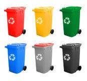 Variopinto ricicli gli scomparti isolati con riciclano il segno Immagini Stock