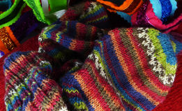 Variopinto tricotti i calzini Immagine Stock