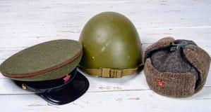 Varios cascos del soldado soviético Fotos de archivo libres de regalías