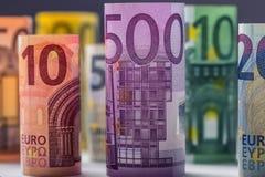 Varios cientos de billetes de banco euro apilados por el valor Concepto euro del dinero Billetes de banco del euro de Rolls Diner Fotos de archivo libres de regalías