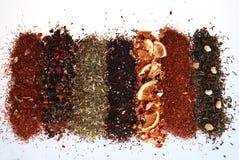 Varios colores y textura té-en de un fondo blanco imagenes de archivo