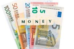 Varios dados euro del texto del dinero de los billetes de banco Imagenes de archivo