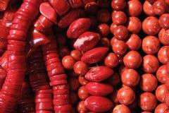 Varios granos coralinos Foto de archivo
