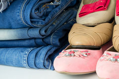 Various female summer shoes with jeans Royalty Free Stock Photos