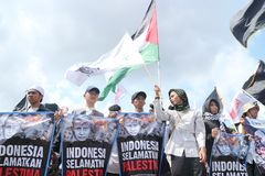 PEACEFUL ORGANIZATION DEFENDS PALESTINE IN YOGYAKARTA, INDONESIA stock photo