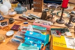 Free Various Old Things, Including Details For Model Railway, For Sale On An Outdoors Flea Market In Freilassing, Germany Royalty Free Stock Photography - 137940967