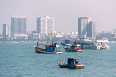 Various Sizes of Vessel near Pattaya Beach, Chonburi in Gulf of Royalty Free Stock Photos