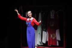 Varje gest och rörelse - den historiska magiska magin för stilsång- och dansdramat - Gan Po Royaltyfri Bild