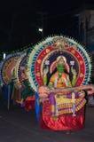 Varkala, Indien - 23. März 2016: traditioneller Kathakali-Tanz am Holi-Festival-Karneval in Varkala, Kerala, Indien Lizenzfreie Stockbilder