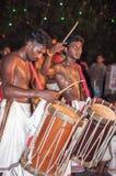 Varkala Indien - mars 23, 2016: traditionell Kathakali dans på den Holi festivalkarnevalet i Varkala, Kerala, Indien Arkivbild
