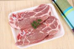 Varkensvlees gesneden lapjes vlees in braadpan royalty-vrije stock foto