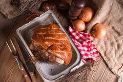 Varkensvleesbraadstuk met geknetter royalty-vrije stock afbeelding