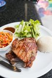 Varkensvleeslapje vlees met groene groente Royalty-vrije Stock Afbeelding
