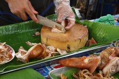 Varkensvleeslapje vlees op de grill Stock Afbeeldingen