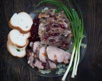 Varkensvleesvlees met Amerikaanse veenbessaus royalty-vrije stock foto's