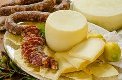 Varkensvleesworst en pecorino Royalty-vrije Stock Foto's