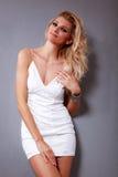varm blond flicka royaltyfri fotografi