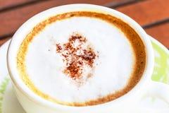 Varm cappuccino för närbild Arkivfoton
